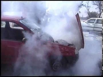 Layta: Тушение двигателя с помощью огнетушителя «ПРОТЕКТ»