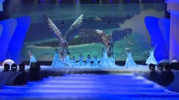 """КРОК: Новогодний праздник 2013 """"Cirque du CROC"""""""